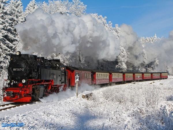 Romanian places to visit_Mocănița mountain train